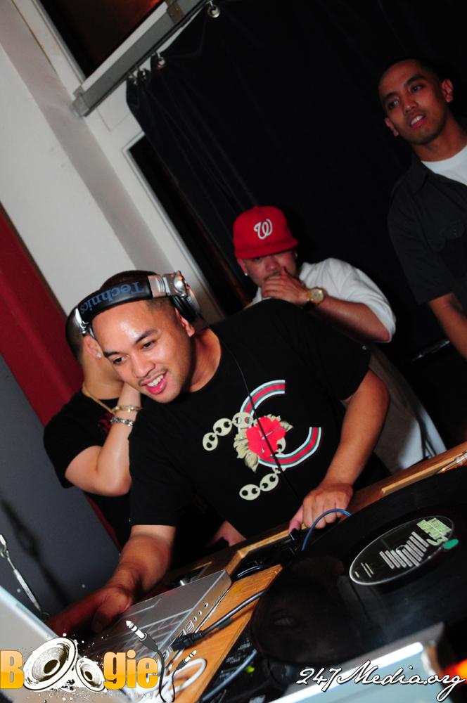 DJ DIGGA